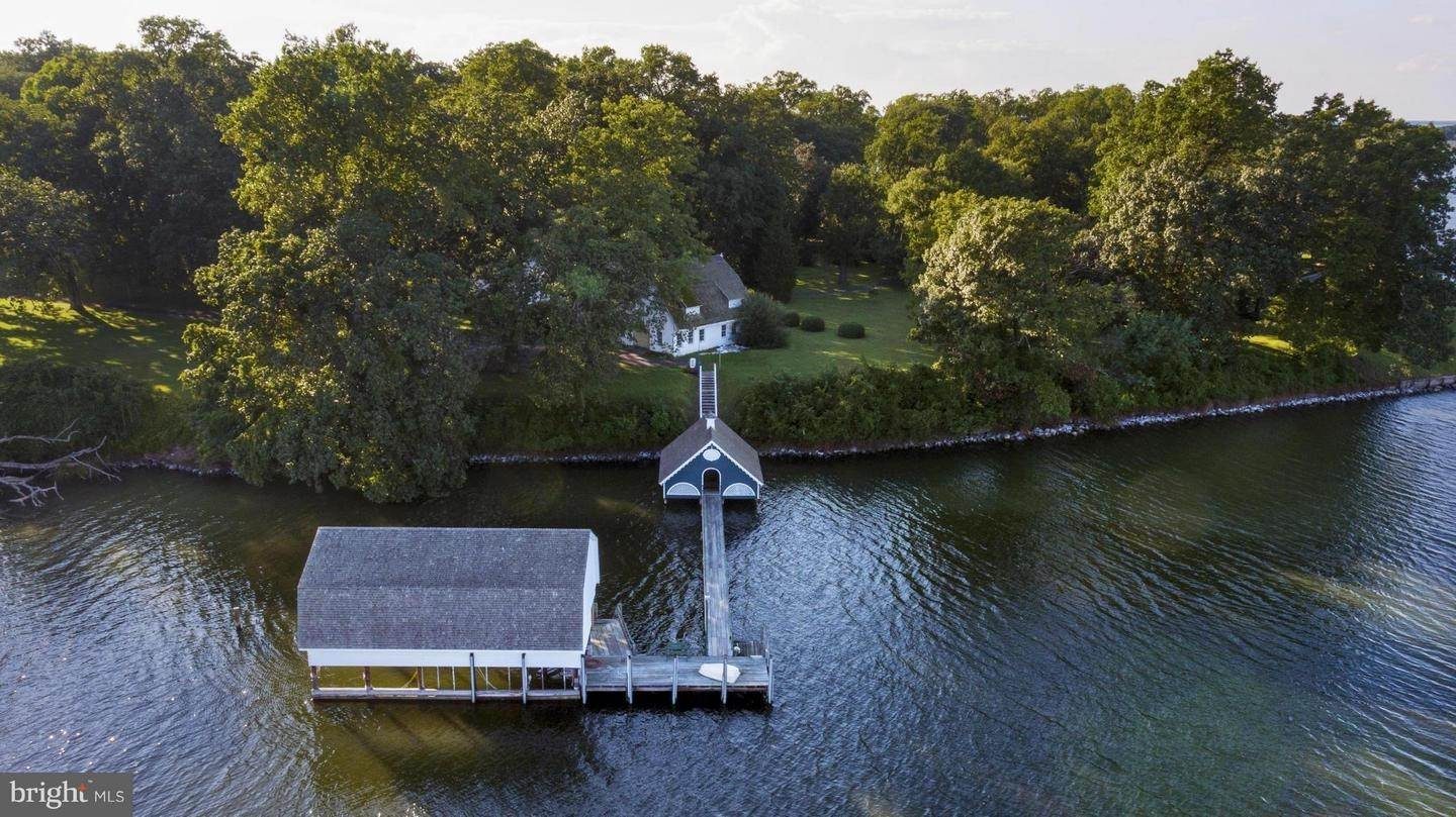 7. Single Family Homes for Sale at 25511 BRUFFS ISLAND RD Easton, Maryland 21601 United States
