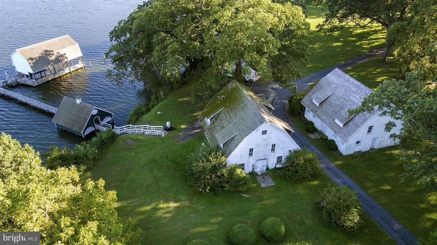 5. Single Family Homes for Sale at 25511 BRUFFS ISLAND RD Easton, Maryland 21601 United States