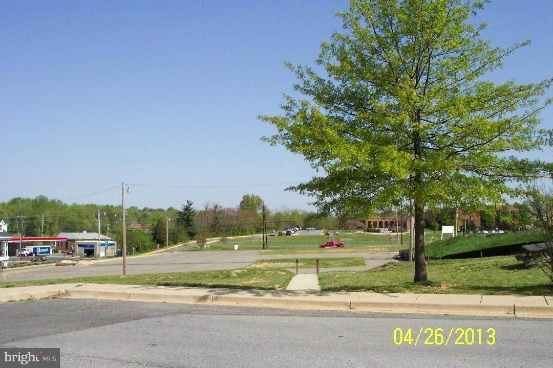 Land for Sale at CHARLES ST La Plata, Maryland 20646 United States