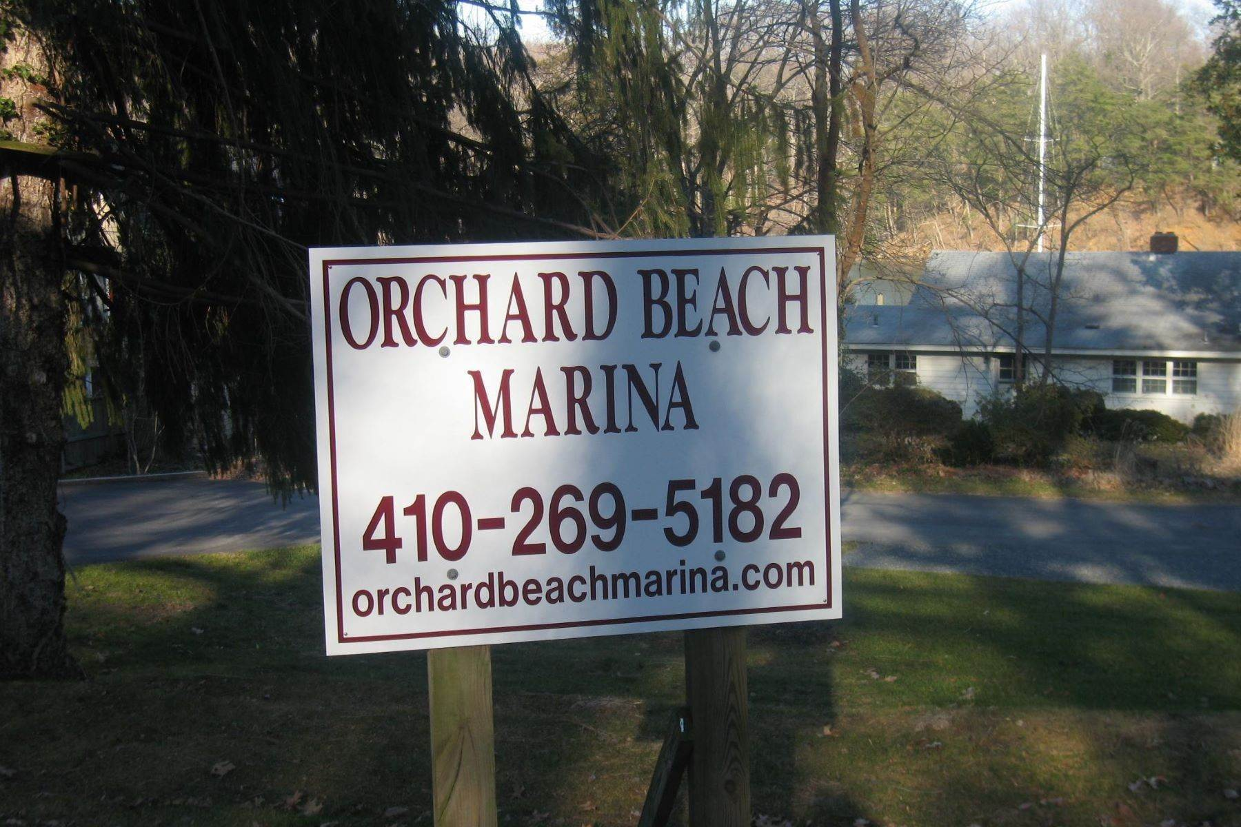 25. Single Family Homes for Sale at 1643 Orchard Beach Rd Annapolis, Maryland 21409 United States