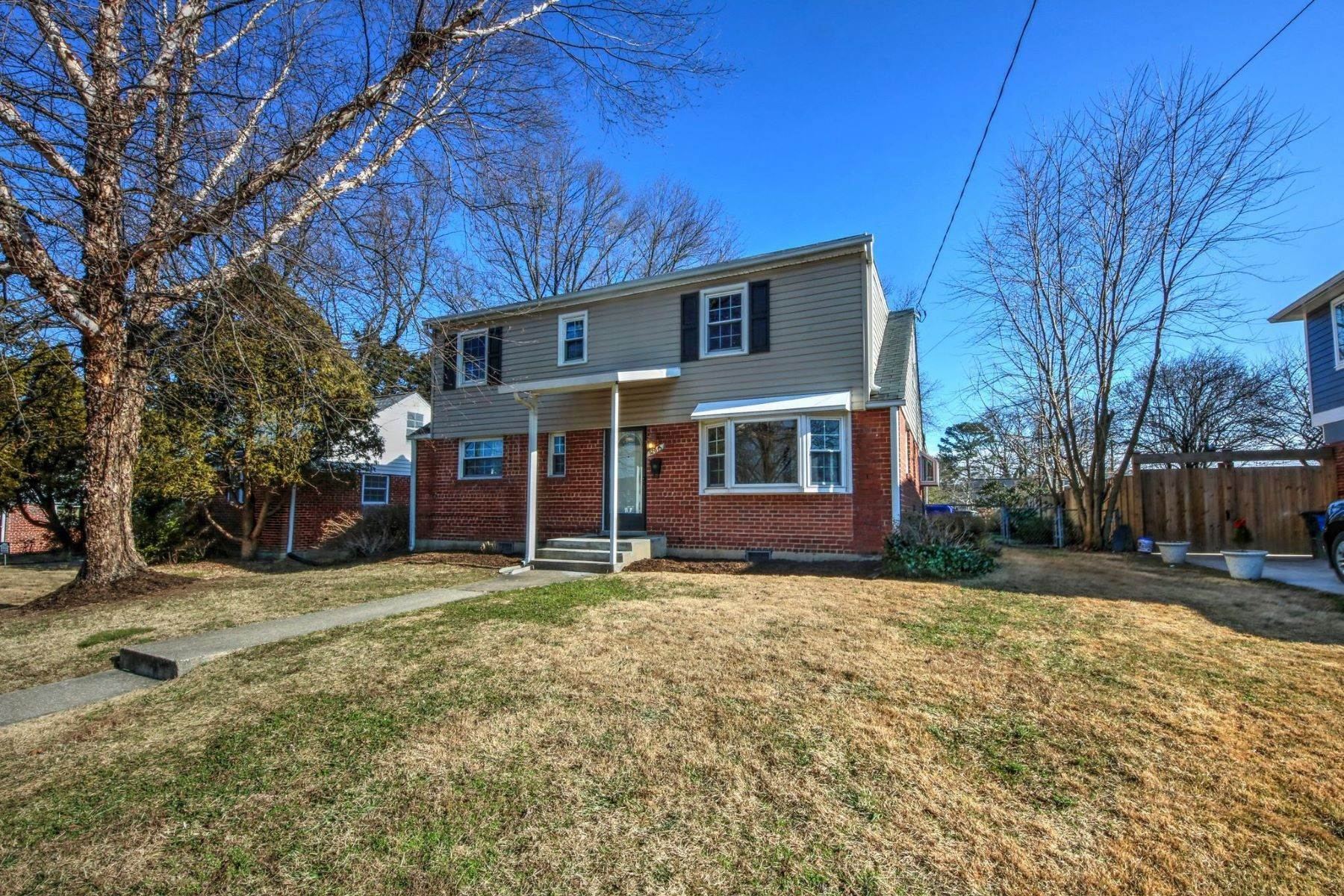 Single Family Homes for Sale at 12613 Farnell Dr Silver Spring, Maryland 20906 United States