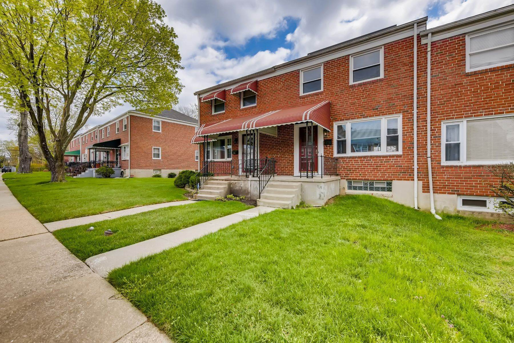 townhouses for Sale at Glen Oaks Townhome 1149 Sherwood Avenue Baltimore, Maryland 21239 United States